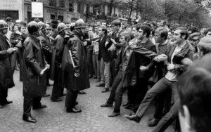 Manifestazione 1968 per articolo presentazione mostra AGI