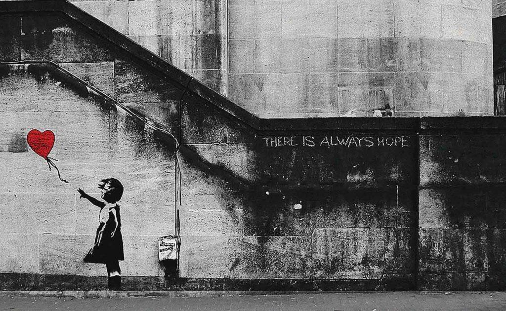 Quadro di Banksy si autodistrugge dopo essere stato venduto all'asta! L'artista rivendica la performance.