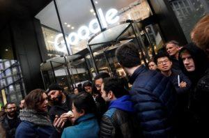 Più di 20.000 impiegate e impresari di Google lo scorso 1 novembre hanno lasciato i loro uffici in segno di protesta contro molestie e abusi sessuali sul posto di lavoro,