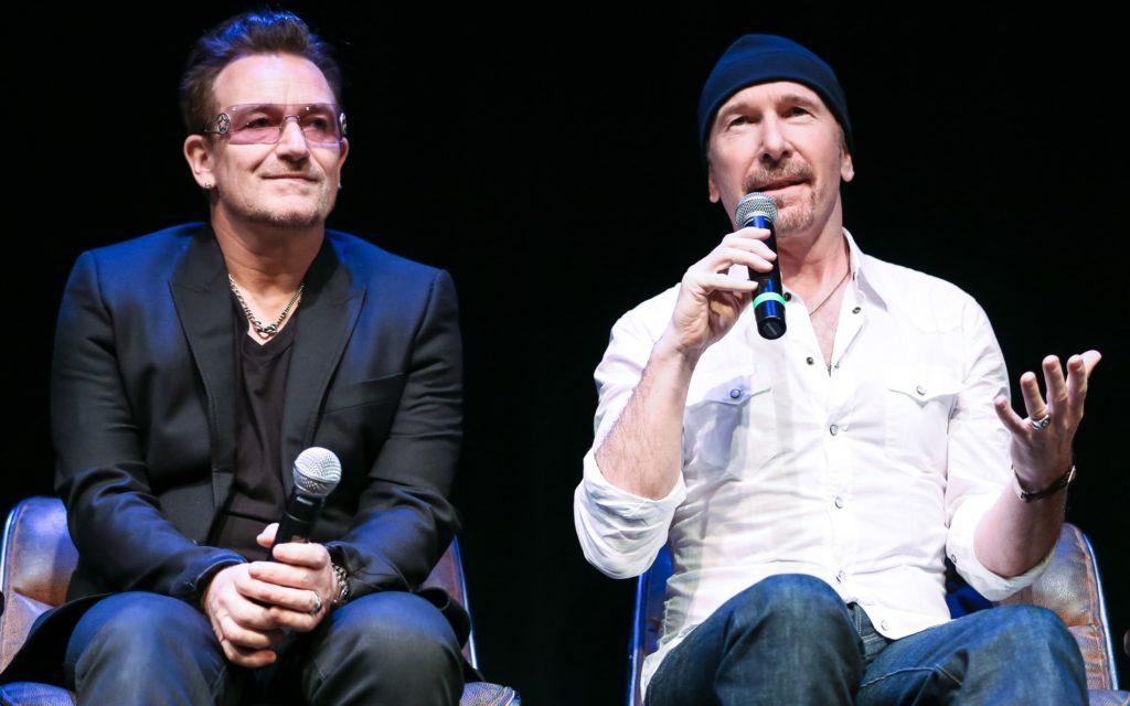 Bono Vox e The Edge durante una rassegna stampa