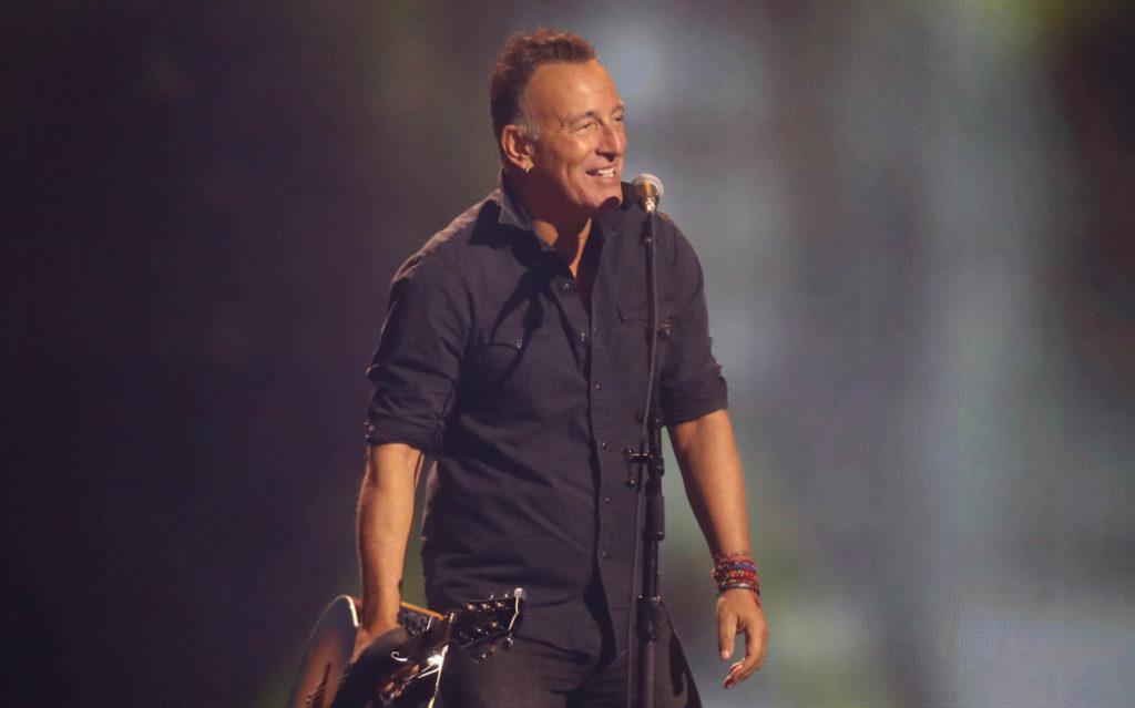 Bruce Springsteen durante una delle sue ultime esibizioni a Broadway