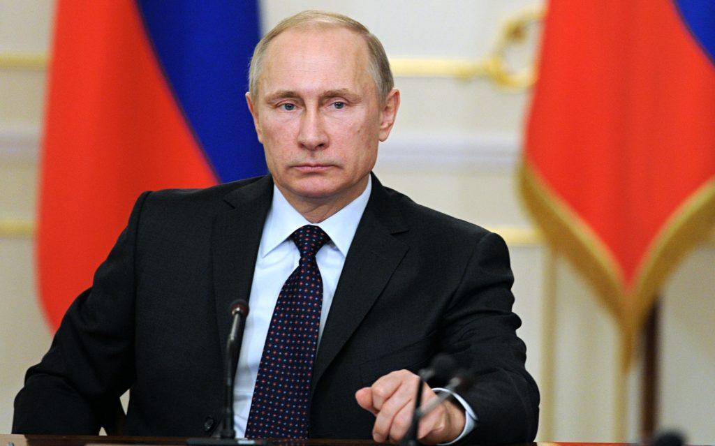 Vladimir Putin durante una conferenza