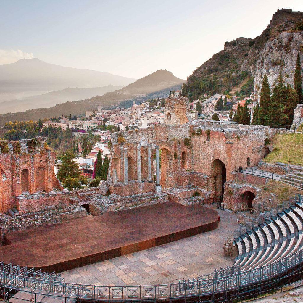 Trovato il teatro dove Euripide mise in scena l'ultima tragedia