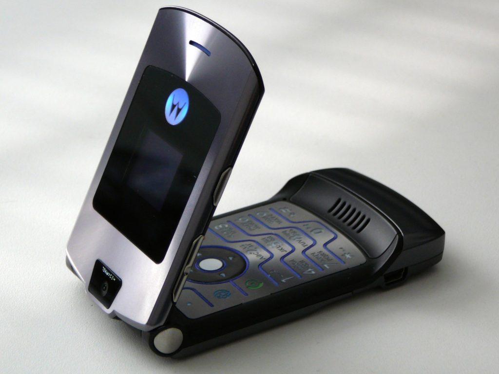 Motorola lancia di nuovo un suo vecchio telefono