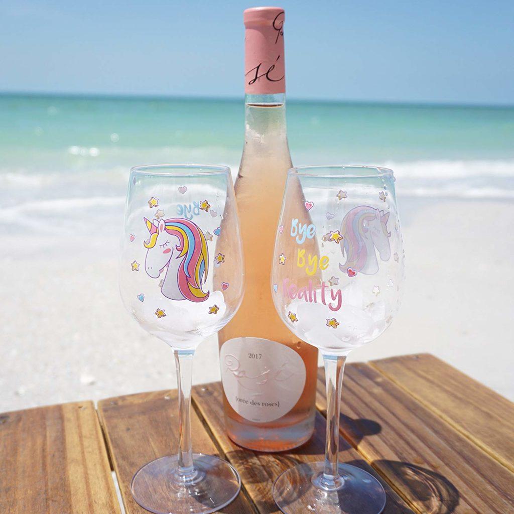 Nasce il vino rosa direttamente dalle lacrime degli unicorni