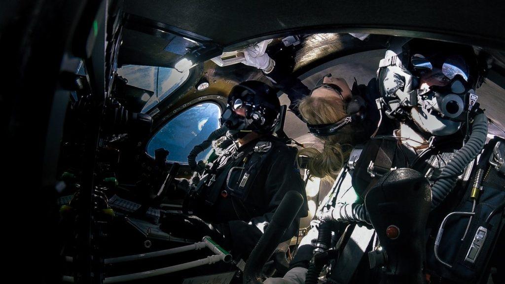 Virgin Galactic manda il primo passeggero nello spazio