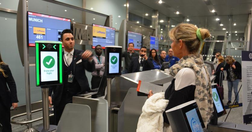 L'imbarco in aeroporto si basa sul riconoscimento facciale: sperimentazione a Miami