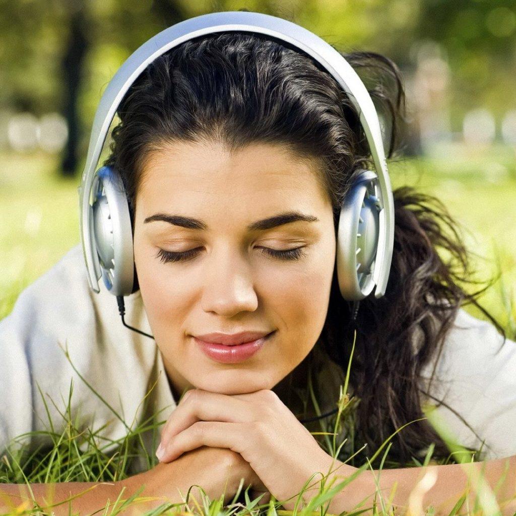 Oms: la musica causa di rischio per l'udito di un miliardo di giovani