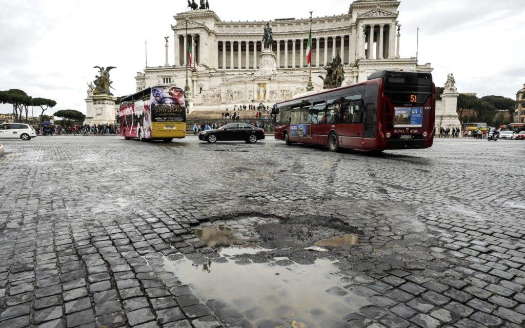 buca a Piazza Venezia