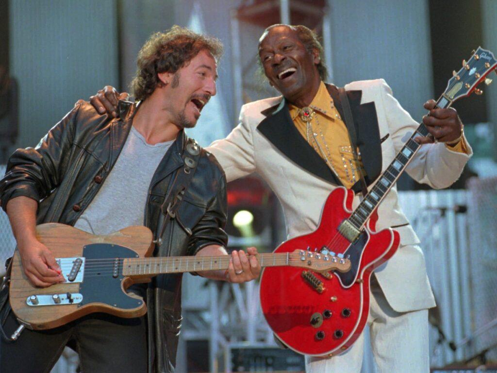 Nel giorno del suo compleanno ricordiamo Chuck Berry, uno dei padri del Rock n' Roll